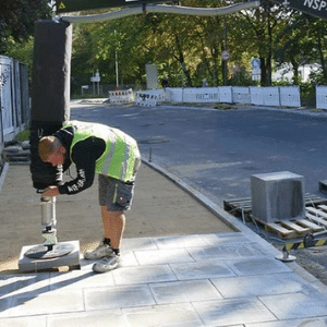 Paver setting tools for landscapers